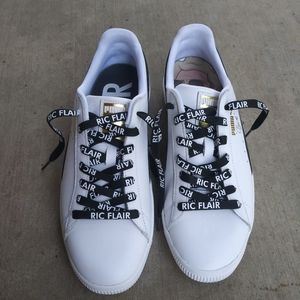 🌟NWOT🌟 PUMA Clyde X WWE X Foot Locker Sneakers